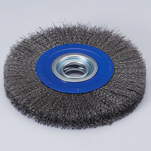 Circular crimped wire brush for bench grinder